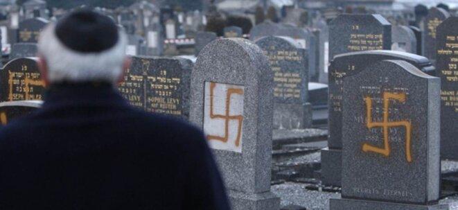 Cimetière juif de Cronenbourg près de Strasbourg, le 27 janvier 2010