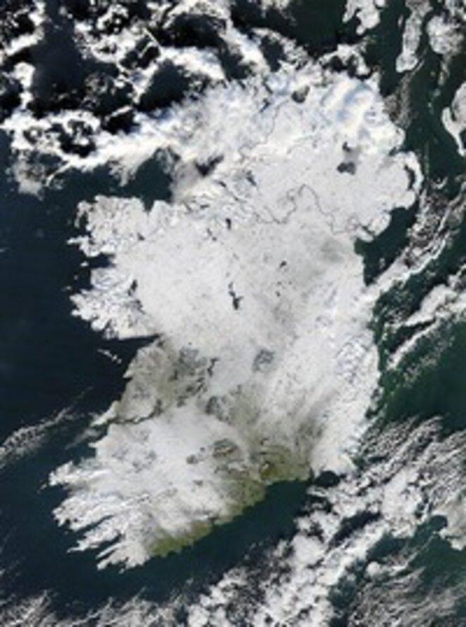 Chute de neige sur l'Irlande vue de l'espace © Nasa