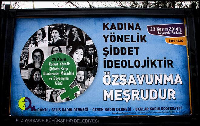 Poster in Diyarbakir © Alain Devalpo