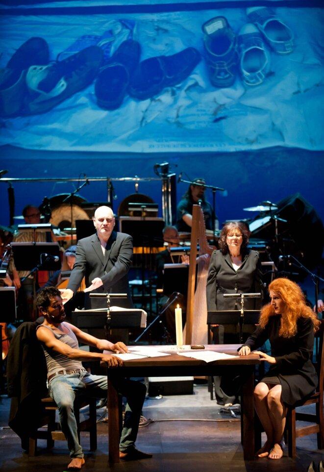 Rodrigo Ferreira, John Mark Ainsley,Christina Schoenfeld et Laura Claycomb dans Orfeo 14 de Helmut Oehring