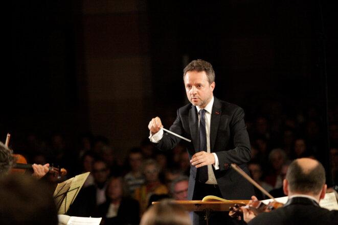Marc Coppey à la tête des musiciens des Musicales de Colmar © Michel Spitz