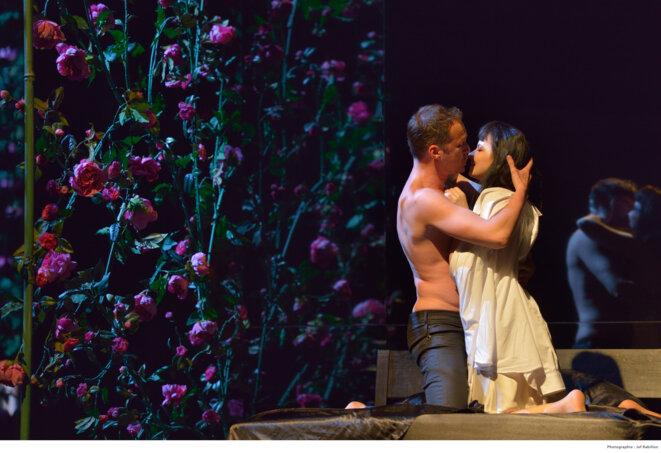 Mirella Bunoaica (Violetta), Edgaras Montvidas (Alfredo) © Jeff Rabillon