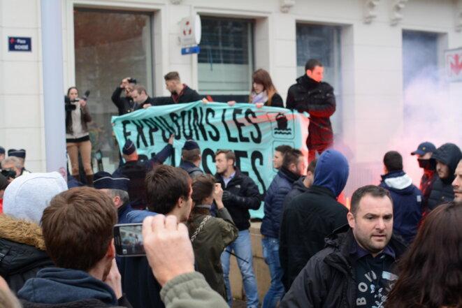 Un groupuscule d'extrême-droite vient perturber le rassemblement © Quentin Trigodet