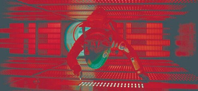 L'astronaute Bauman lutte contre l'ordinateur HAL