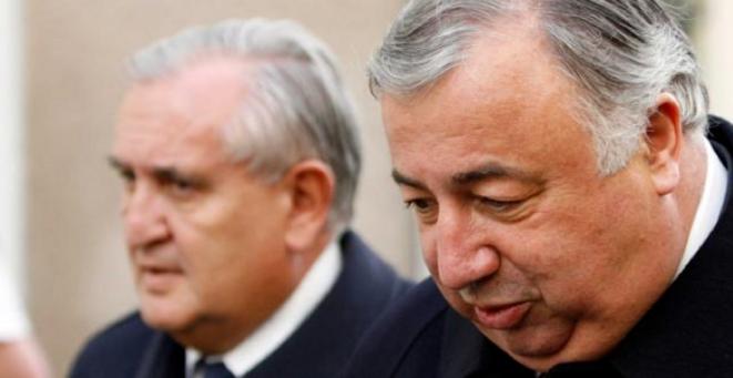 Jean-Pierre Raffarin et Gérard Larcher, candidats à la présidence du Sénat fin septembre © Reuters