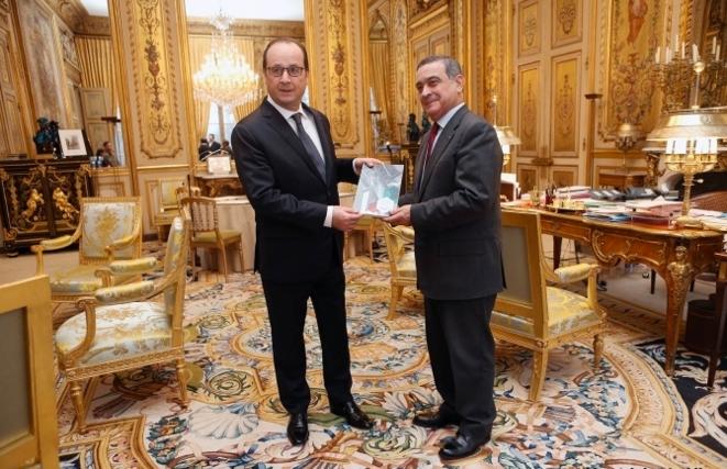 Jean-Louis Nadal remet son rapport sur l'exemplarité des acteurs publics au chef de l'Etat, le 7 janvier