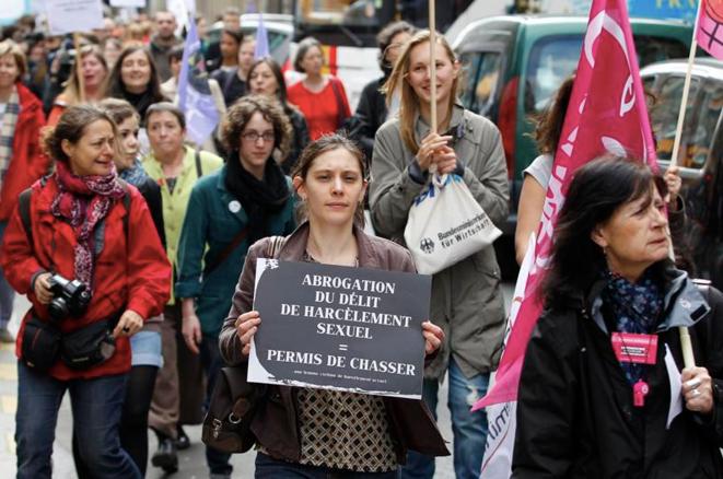 Manifestation contre l'abrogation de la loi sur le harcèlement sexuel © Reuters