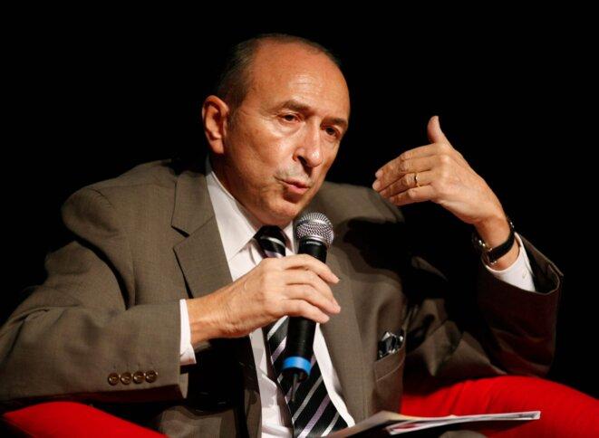 Député, puis conseiller régional, puis sénateur, puis maire de Lyon... CV électoral fourni pour le socialiste Gérard Collomb. © Reuters