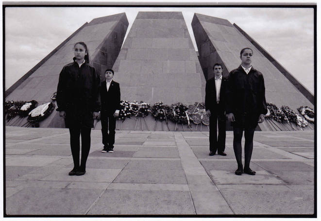 Mémorial du génocide TSITSERNAKABERD, Arménie - 23 avril 2015 © Maurice CUQUEL
