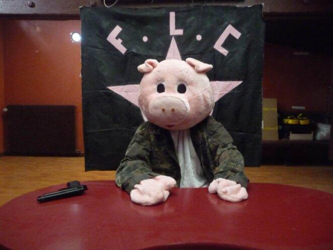 Le Front de libération du cochon affirme combattre « l'islamisation de la France ». (photo Maud de Carpentier)
