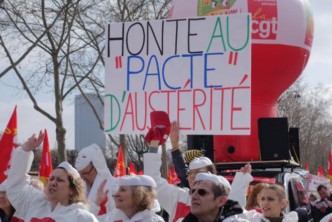 Manifestation contre le pacte de responsabilité, mardi 18 mars, à Paris.