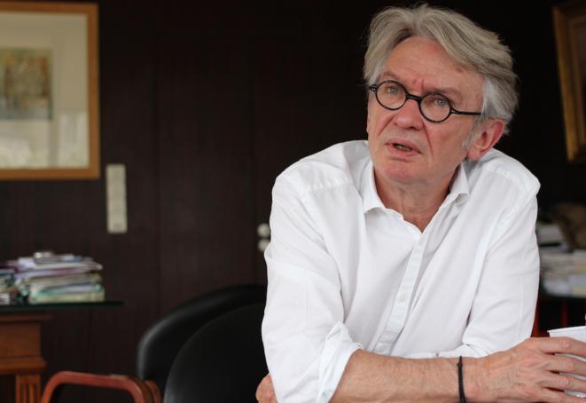 Jean-Claude Mailly dans son bureau au siège de Force Ouvrière à Paris, le 29 avril 2014 © Mathilde Goanec