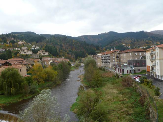 Le Cheylard, un bastion industriel atypique au coeur de l'Ardèche