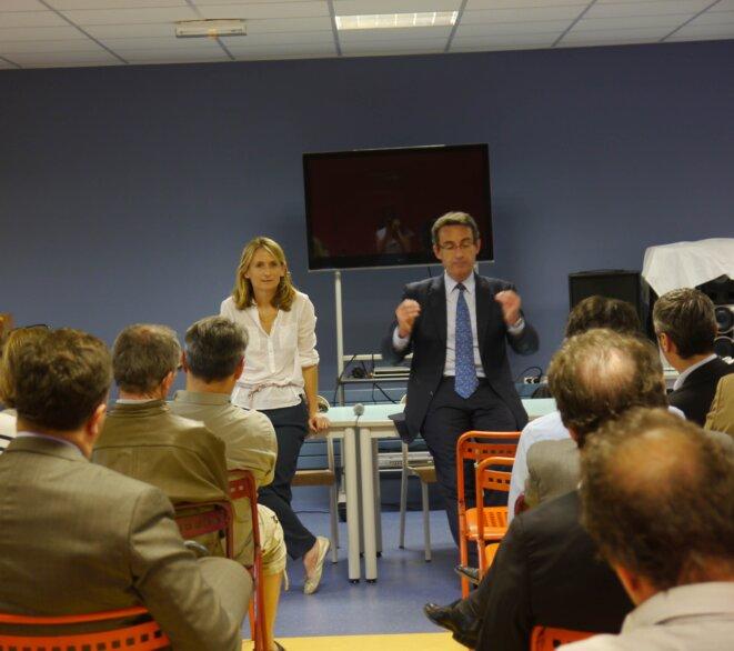 Fromantin en réunion publique à Courbevoie