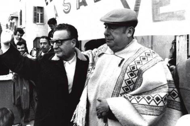 Le poète Pablo Neruda avec son ami le président Salvador Allende