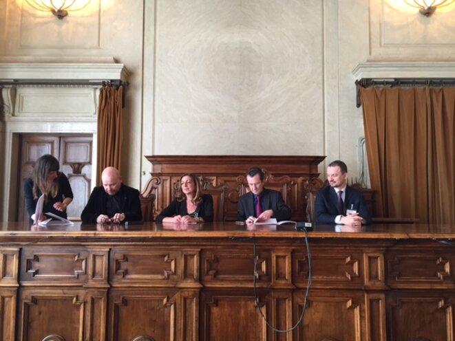 Assis, de g à d: R. Prigent, M-A Scalera du Miur, B. Tadié, A. Grassin