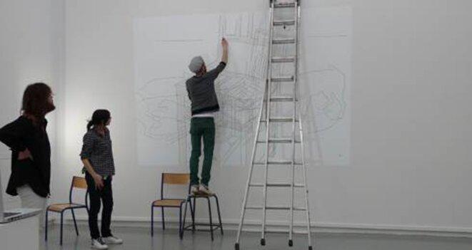 Photographie de l'atelier Play/display avec Maïté Vissault et Ruben Bellinckx. Sur l'image : Angèle Mouteau, Julien Boucq et Antoine Liebaert  © Marina Chao