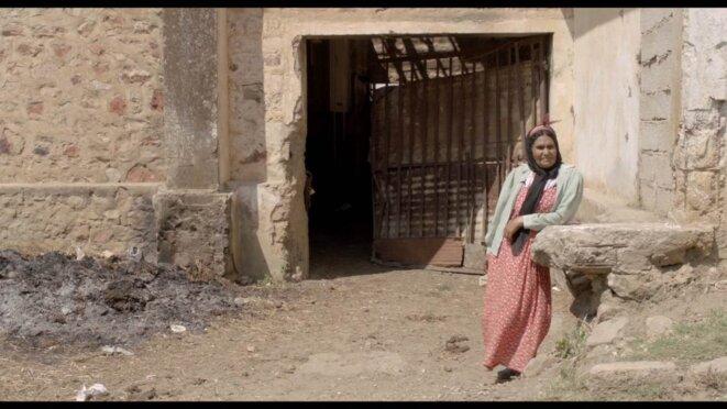 Baïa B., gardienne des lieux © Damien Ounouri / Kafard Films 2012