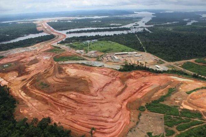 C'est juste un trou dans le sol, Belo Monte n'est pas un fait consumé et il peut être stoppé, motivent les visiteurs. © Xingu Vivo