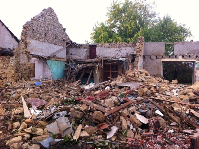 Il ne reste que des ruines de la maison mitoyenne à la Sécherie © Auto-média de la ZAD