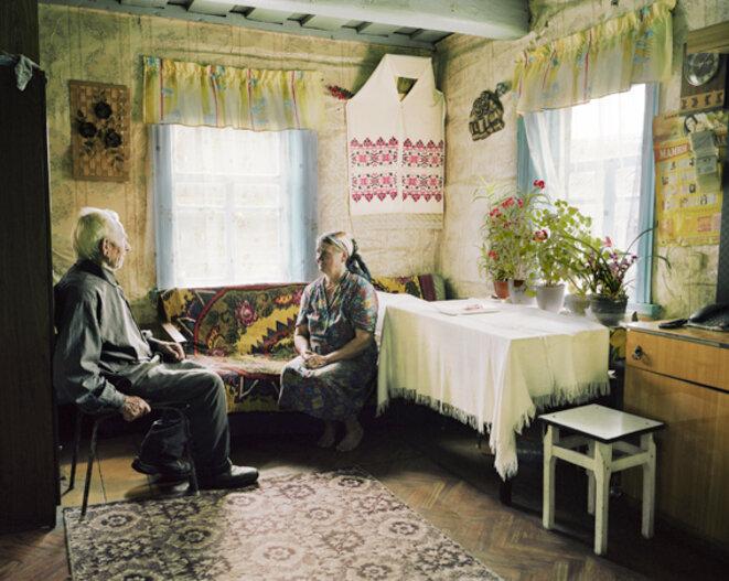 Petr et Sophia Y., village de Sloboda, réserve de Berezinsky, 27 mai 2014. © Thierry Girard