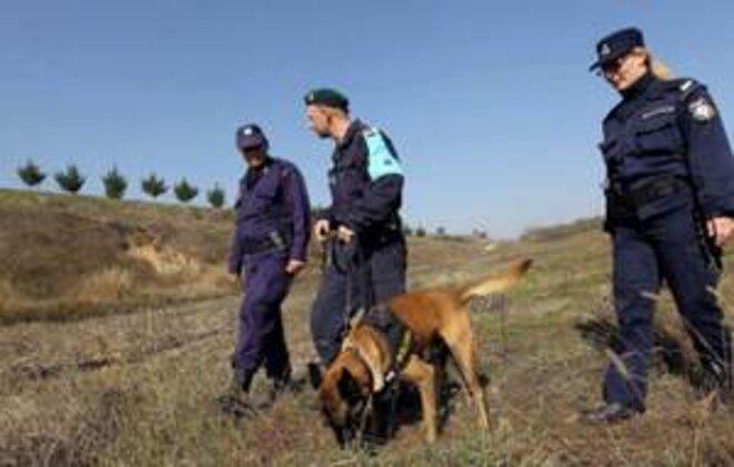 Patrouille de la police grecque sur la frontière. © (dr)