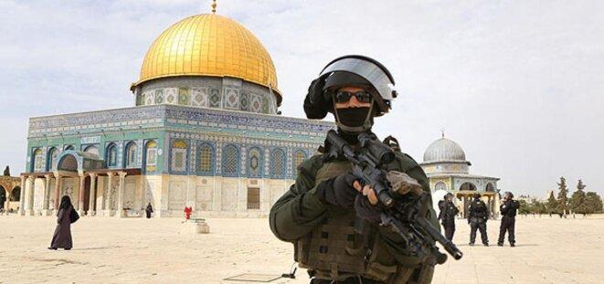 Forces de sécurité israéliennes sur l'Esplanade des mosquées. © Reuters