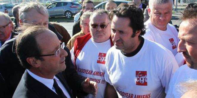 Octobre 2011, François Hollande devant les salariés Goodyear à Amiens.