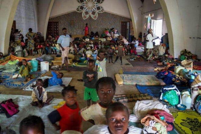 Les réfugiés dans la cathédrale de Bouar. © Thomas Cantaloube