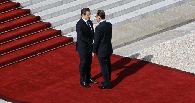 15 mai, passation de pouvoirs. © (Reuters)