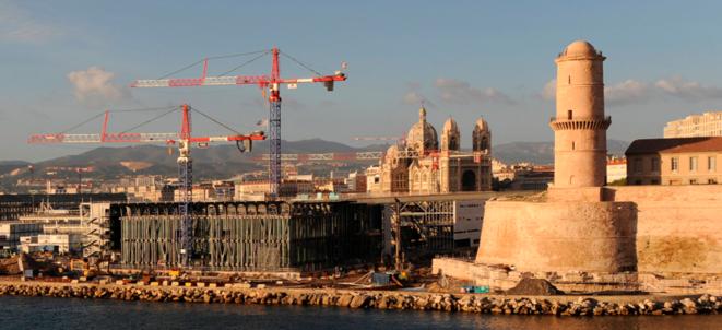 Le chantier du Mucem, à l'entrée du Vieux Port.