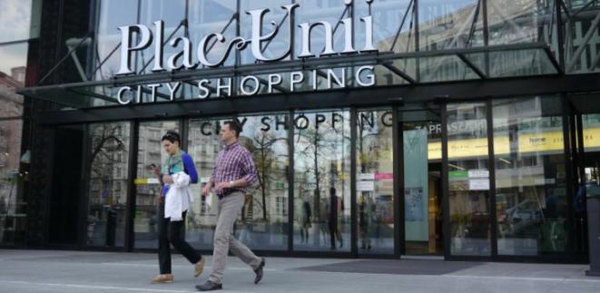 Le dernier centre commercial qui a ouvert ses portes à Varsovie, en décembre. © (A.P.)