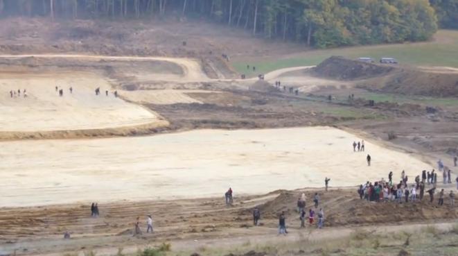 La zone humide du Testet déboisée. Image extraite d'une vidéo tournée par les manifestants.