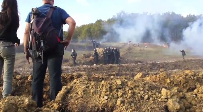 Affrontements le week-end dernier au Testet. Image extraite d'une vidéo tournée par les manifestants.