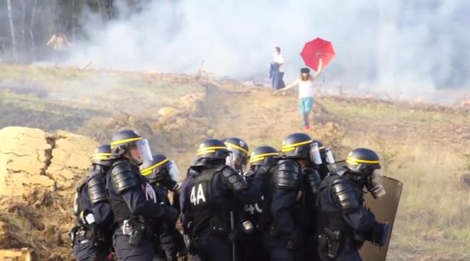 Image extraite d'une vidéo tournée par les manifestants.
