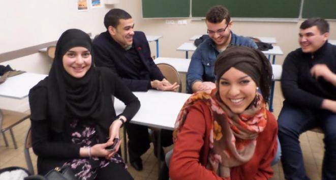 Un groupe d'anciens élèves du lycée Averroès.