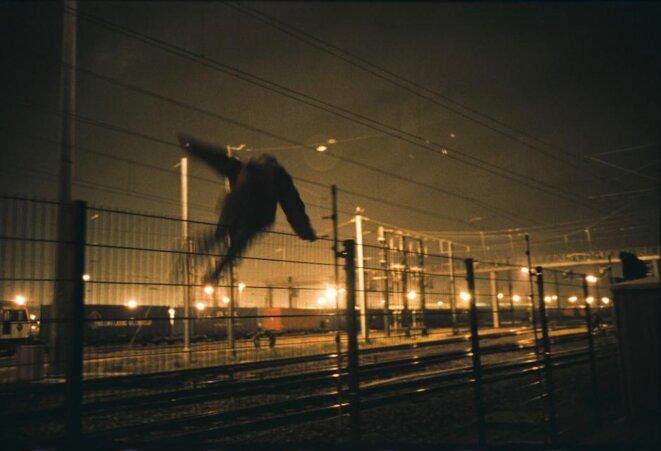 Mai 2002, Sangatte. © Olivier Jobard/agence MYOP