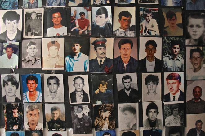 A Srebrenica, photos des victimes du génocide. © Laurent Geslin