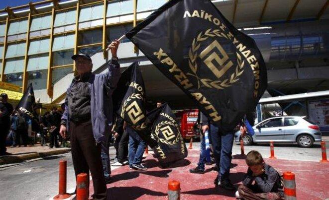 Militants d'Aube dorée. Les agressions racistes ont fortement augmenté depuis un an.