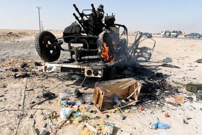 Batterie anti-aérienne et matériel détruits. © Thomas Cantaloube