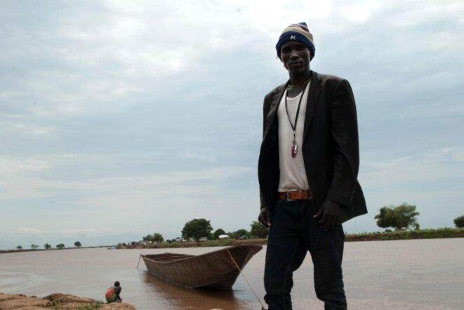 Chuol a traversé le fleuve pour conduire sa famille en Ethiopie, loin des zones de combats. © (Vincent Defait)