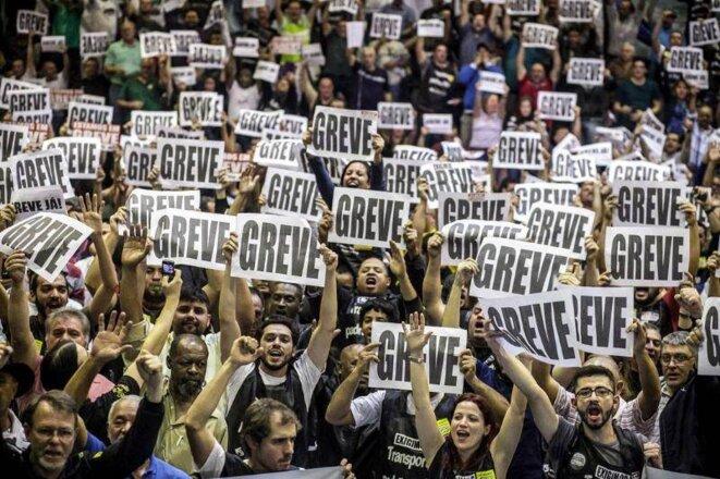 Manifestation des employés du métro en grève, fin mai.