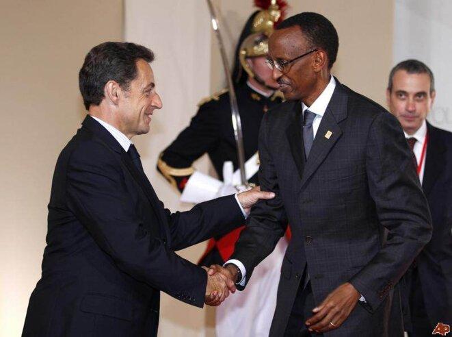 Paul Kagamé: première visite en France en septembre 2011 depuis la rupture des relations diplomatiques en 2006.