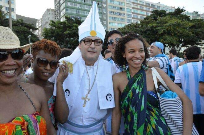 Un sosie du pape François: «Faites la pagaille» © Lamia Oualalou
