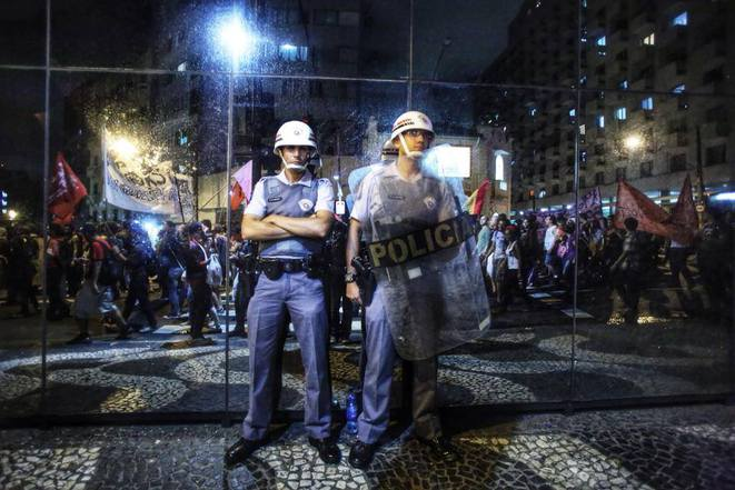 Police de Sao Paulo durant une manifestation.