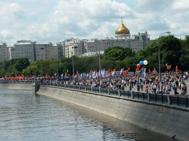 MAnfstation du 12 juin. Sur les quais de la Moscova © MP