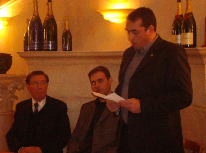 P. Sidos, Y. Benedetti et C. Georgy lors de la première rencontre militante de l'Œuvre française à Dijon, le 8 janvier 2009.