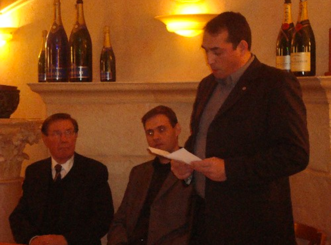 P. Sidos, Y. Benedetti et C. Georgy lors de la première rencontre militante de l'Oeuvre Française à Dijon, le 8 janvier 2009. © Reflexes
