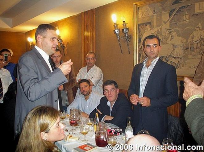 Yvan Benedetti Alexandre Gabriac participant avec l'Oeuvre française à une manifestation pro-franquiste en Espagne en 2008. © Infonacional.com