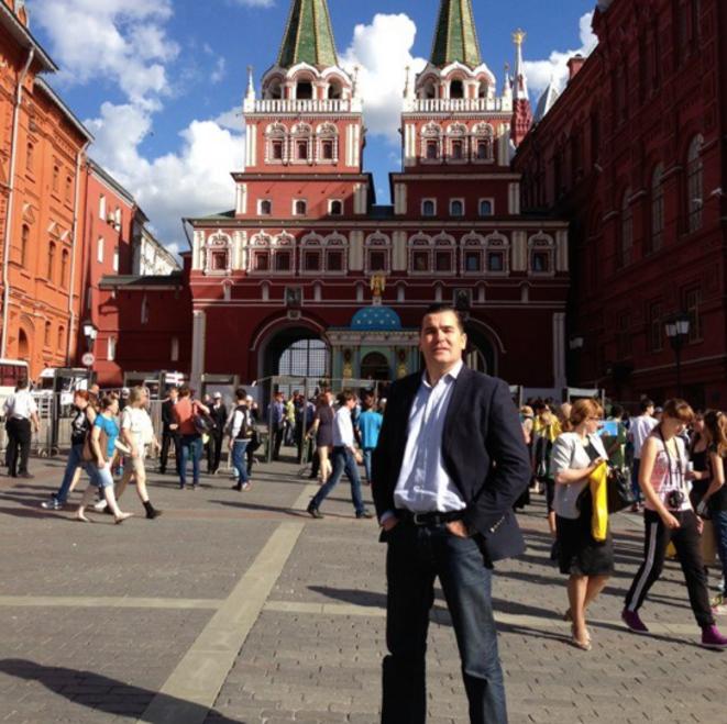 Frédéric Chatillon à Moscou. Photo postée le 20 juin 2013 sur ses comptes Twitter et Facebook.